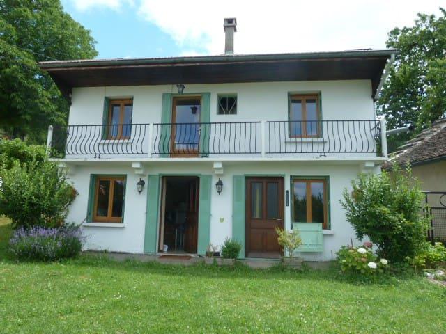 Maison Nature en montagne Bugey - Rossillon - Hus