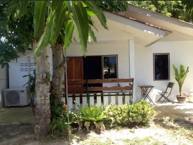 Small bungalow on private property - Tambon Phla - Casa