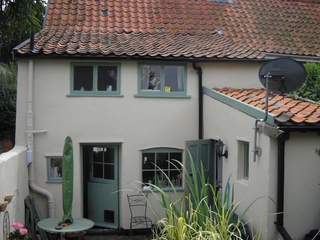 Really delightful village cottage - Wickham Market - Hus