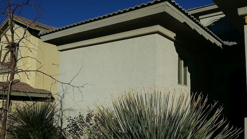 Private casita unit in gated community privateHVAC - Henderson - Casa