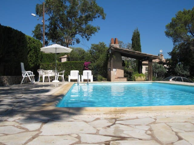 Villa Rez de Jard.piscine ping pong - Saint-Raphaël - House