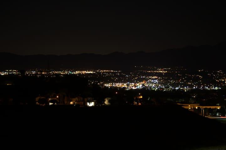 Beautiful condo with sweeping views of Saddleback - Aliso Viejo