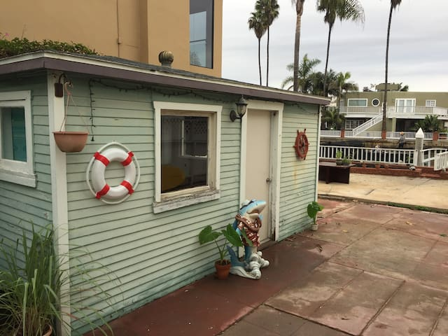 Waterfront Beach Bungalow - Newport Beach - Hospedaria