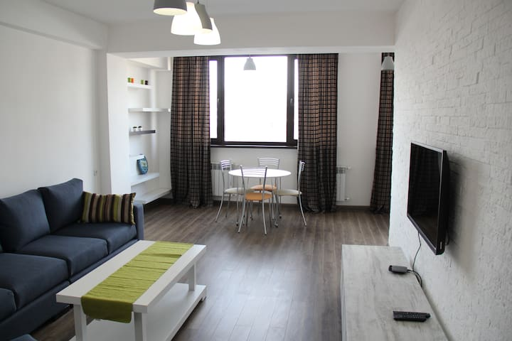 Cozy Two Bedroom by Opera House - Yerevan - Appartement