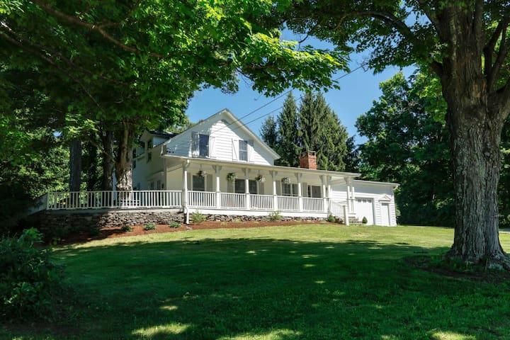 Beautiful Farmhouse Circa 1793 - East Durham - Rumah