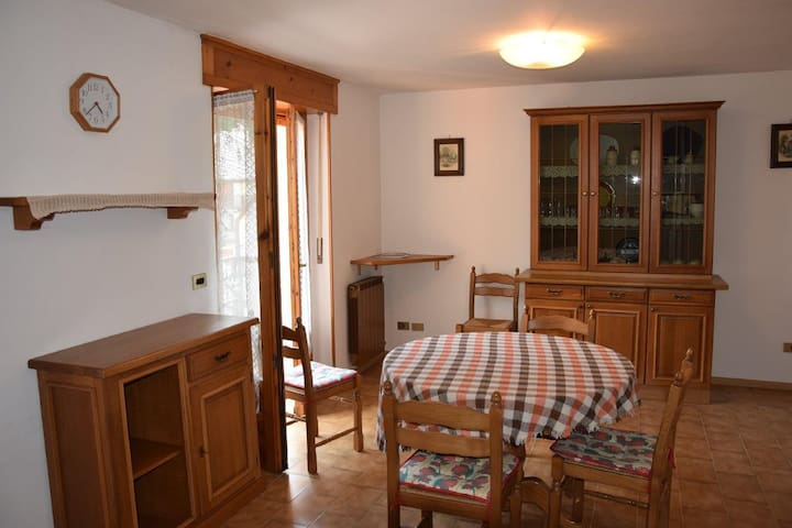 Valle di Gressoney (AO), Issime mansarda - Fontainemore - Appartement
