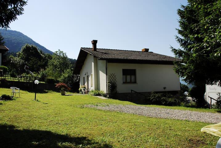 Casa via Zoncolan -Carnia - Ovaro - Huis