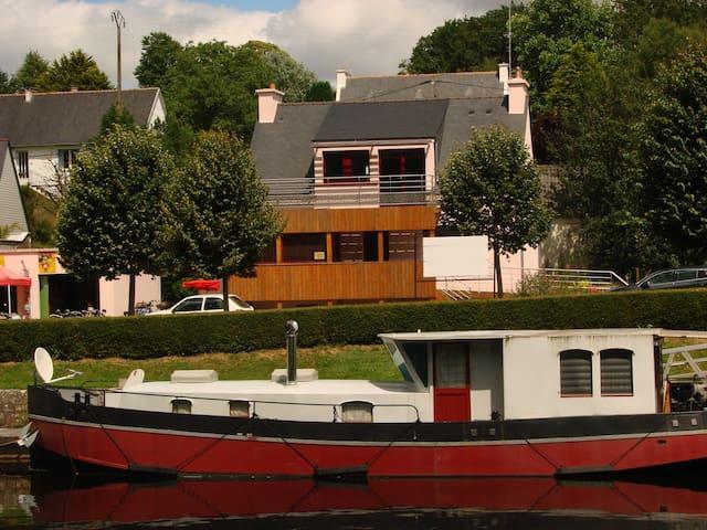 les gites celtiques, le repos au bord de l'eau - Pluméliau - Leilighet