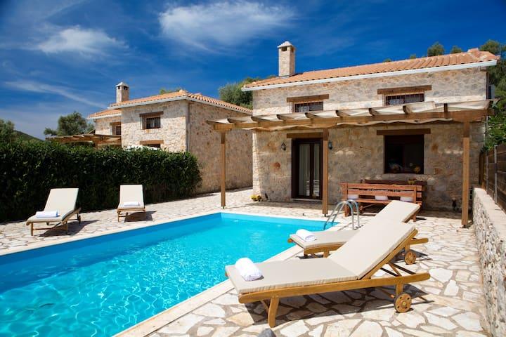 IVI βίλα αυτόνομη μεζονέτα με ιδιωτική πισίνα. - Lefkada