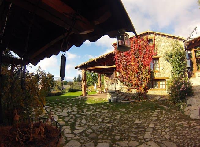 Casa rural al Pirineu més autèntic - Lles de Cerdanya - Villa