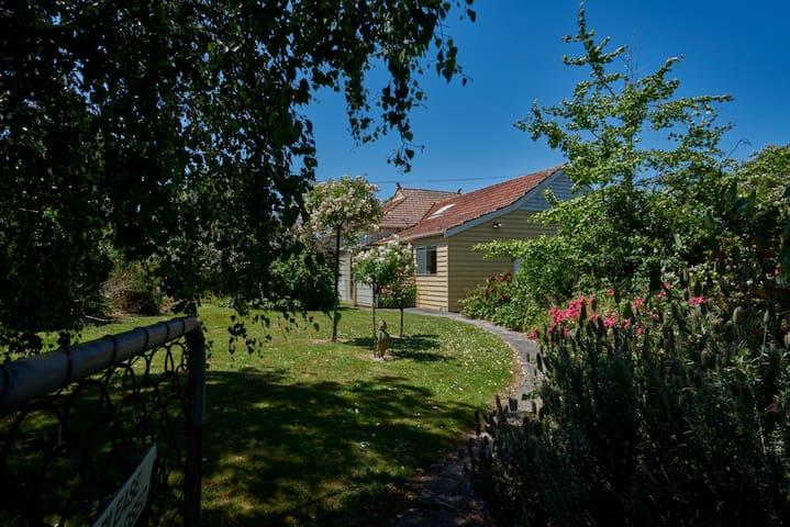 Charming farmhouse in rural area - Korumburra - Talo