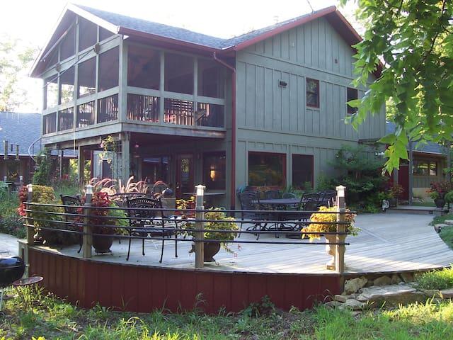 Still Point Country Retreat - Belleville - Apartemen
