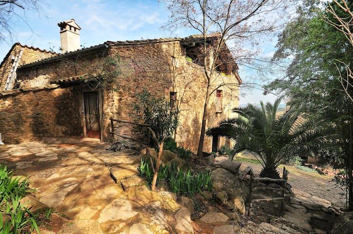 S. XII Can Ribes Lago de Banyoles  - Camós - Villa