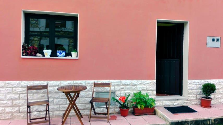 Bonita casa de pueblo en la zona de LLanes - Riego - Дом