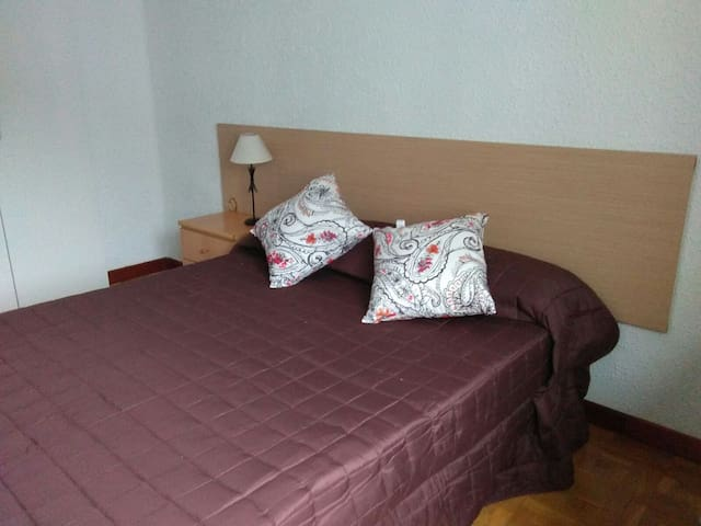 Habitacion privada doble - Pamplona - Leilighet