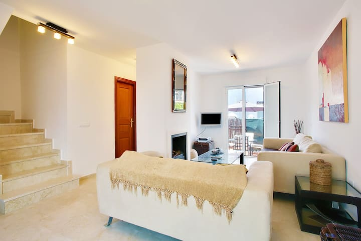 3 Bed  Townhouse Sotogrande, Guadiaro Cadiz Spain - Guadiaro - Haus
