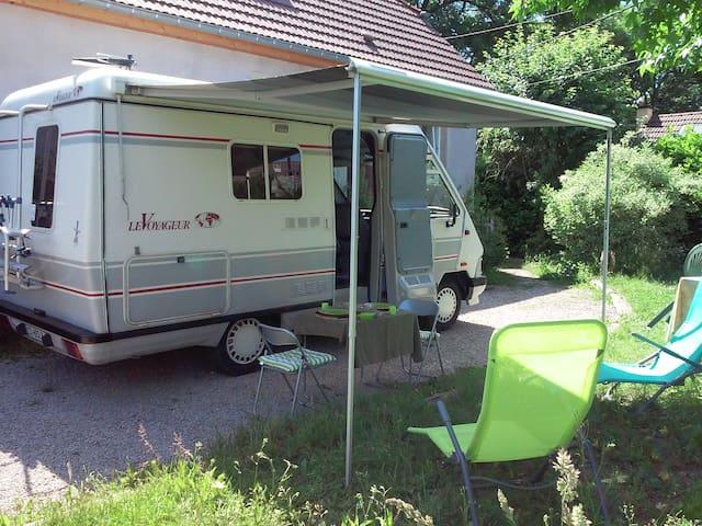Mon Camping Car a la campagne - Anjoutey - Bobil