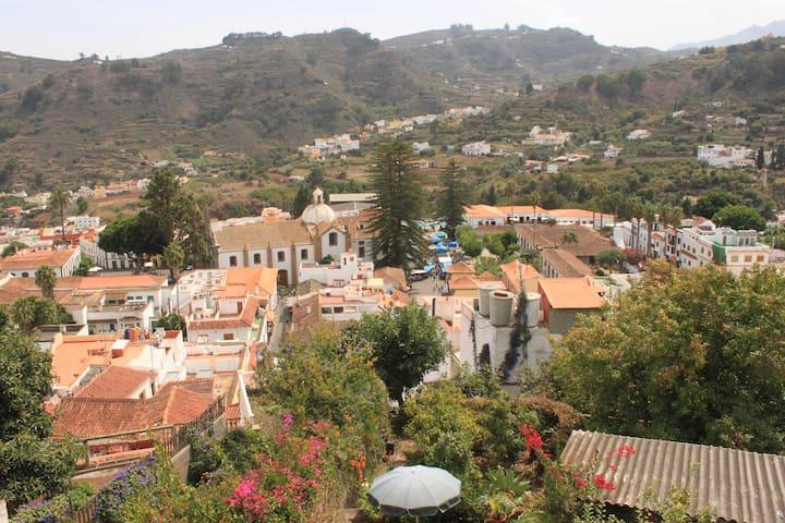 Haus mit Dachterasse+Garten in Teror, Gran Canaria - Teror - Radhus
