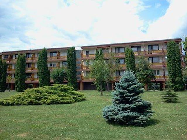 A Nyugati Part Gyöngyszeme - Keszthely - Apartamento