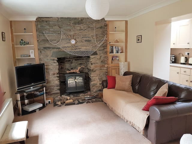Driftwood Self Catering Holiday Cottage in Peel - Peel