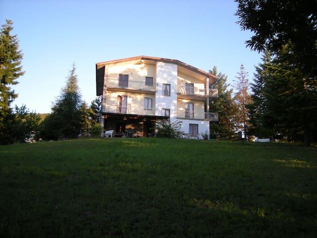 3 Bed Apartment Albareto - Case Mirani - Appartement