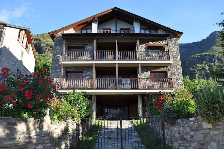 "Apartamento en Sahún ""Casa Juan Manuel"" - Sahun"