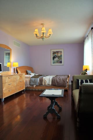 Master room/ensuite bath nearby Lake Simcoe - Barrie