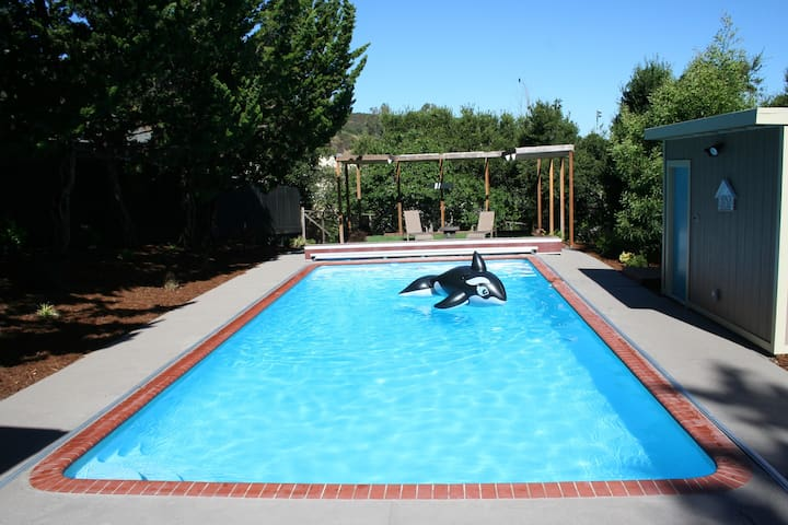 Silicon Valley Guest House with Pool - San Carlos - Gjestehus