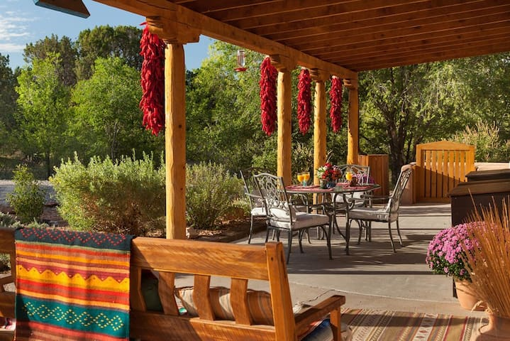 """Your """"authentic"""" New Mexico Getaway - Chimayo - Bed & Breakfast"""