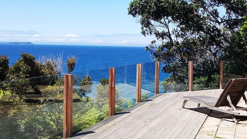 Te Rakau Cottage - Waiwera - Houten huisje