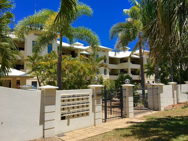 Townsville Explorer Two Bedroom/Bathroom Apartment - Townsville City - Lejlighed