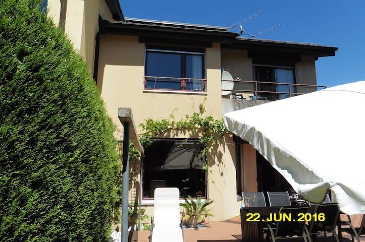 1 à 3 chambres (selon disponibilité) - Marin-Epagnier - Huis