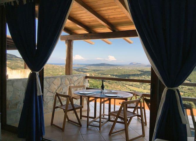 Open space with amazing views - Olbia - Çatı Katı