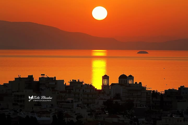 Holiday House with stunning View - Agios Panteleimon - Hus