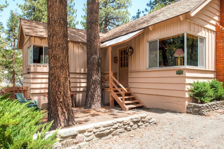 Rustic Acorn - 2BR Wrightwood Cabin - Wrightwood - Cabane