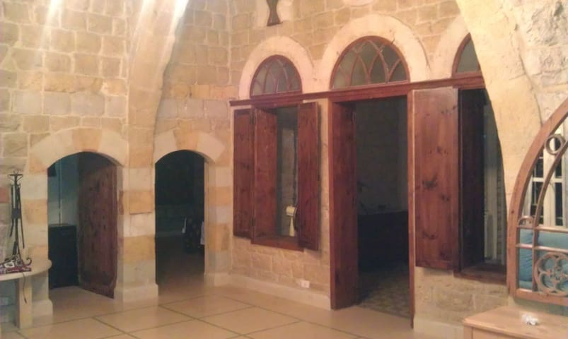 Unique Old House - Wadi Chahrour El Oulya