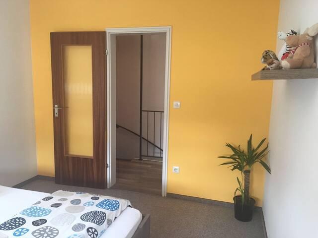 Zimmer in wunderschöne Lage - Schwaig bei Nürnberg - Casa