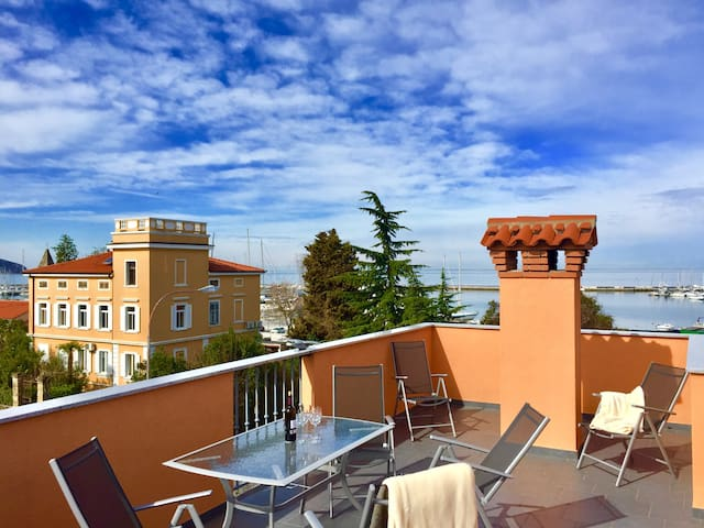 Top quality flat// Sea views//Private roof terrace - Izola - Apartemen