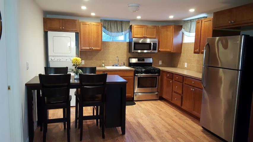 Quiet, Private  3.5 rooms, Manhattan convenient - Staten Island - Appartamento