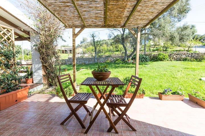 Comfortable studio to 2 km to sea  - Arzachena - Apartment