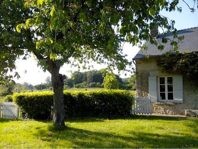 Maison avec grand jardin au coeur de la campagne - Brie - Hus