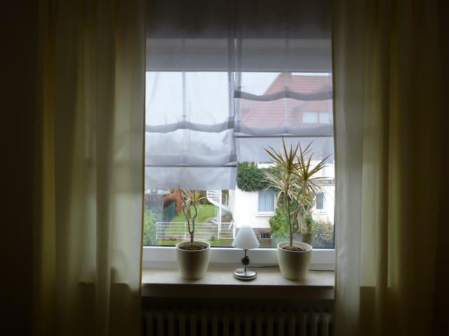 Schickes, ruhiges Apartmentzimmer - Höxter - Departamento