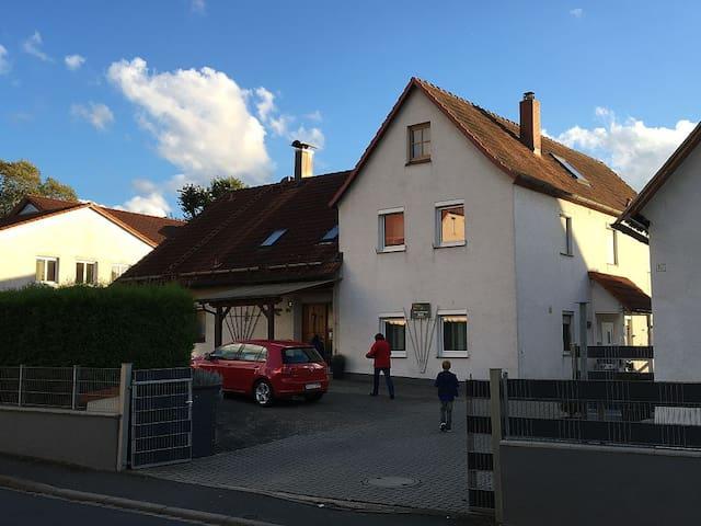 Gemütliche Ferienwohnung in Mitten der Fränkischen - Pretzfeld - Huoneisto