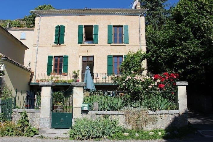 """Un charmant appartement de village """"Les 3 clés"""". - Trescléoux - Appartement"""