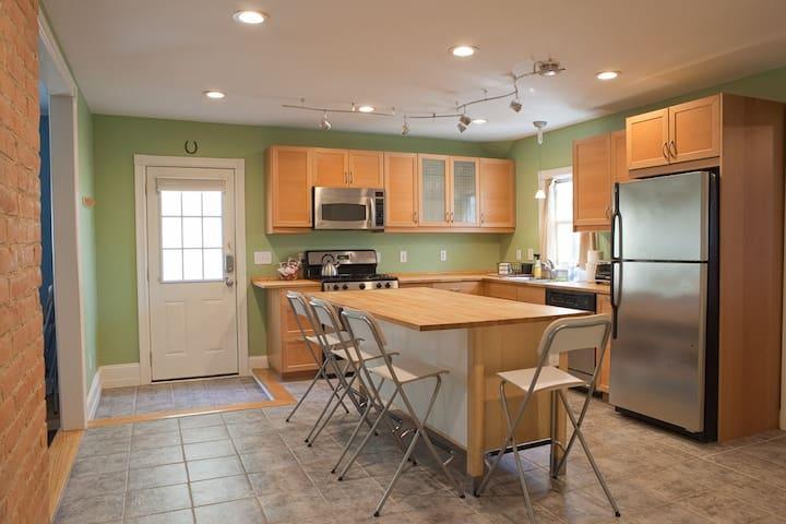 3 Bedroom Apt in Arts District - Saratoga Springs - Lägenhet