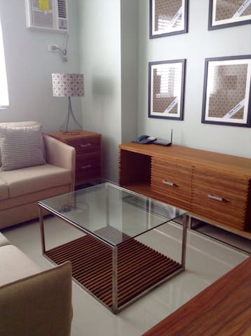 Stylish yet affordable 1BR suite - Quezon City  - Bed & Breakfast