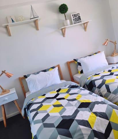 Private Modern Room Near Airport & City - Nundah - Daire