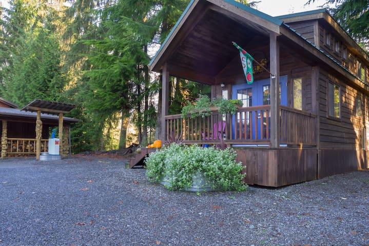 Burl Wood Tiny Home - Monroe - Vendégház