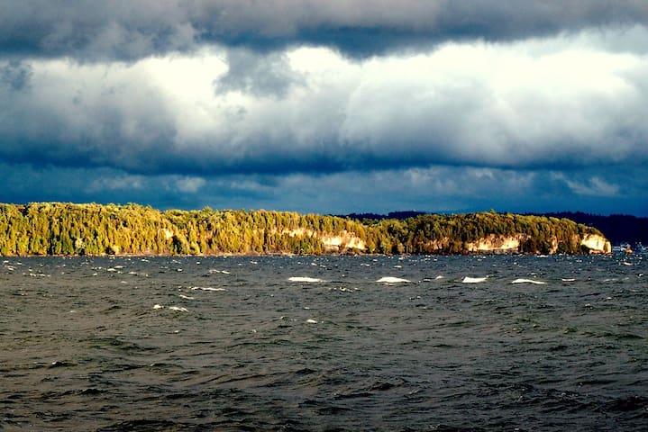 Secluded Lakefront Cabin in BTV! - Burlington