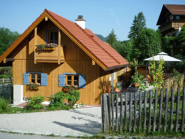 Lauschiges, freistehendes Holzhaus - Ettal - Ev